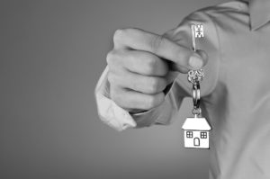 Od 1. júla bude získanie hypotéky komplikovanejšie: Do kariet to nahráva jednej skupine ľudí